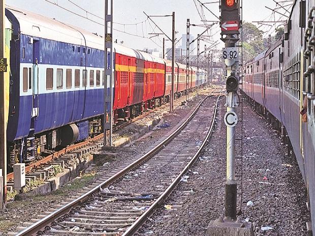 Rs 90 bn worth MoU of Indore-Manmad rail line signed by Gadkari, Goyal, MP, Maharashtra